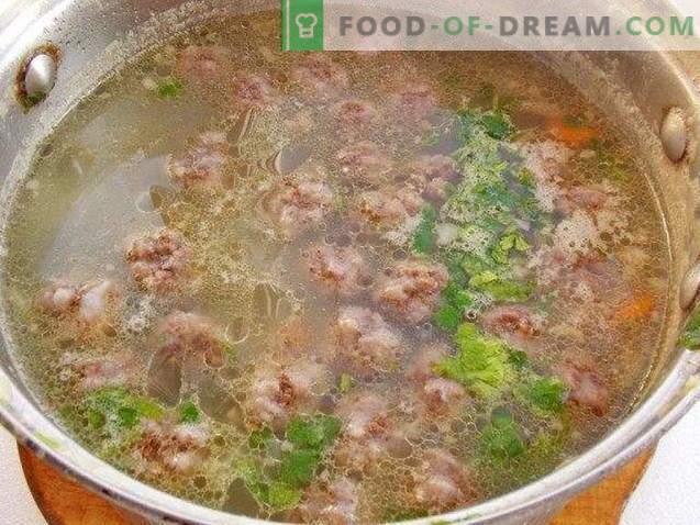 Супа с кюфтета