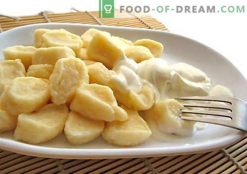 Варелите от сирене са най-добрите рецепти. Как правилно и вкусно да готвя традиционните и мързеливи кнедли с домашно сирене.
