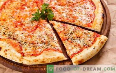 Originele en verschillende varianten van klassieke Margherita pizza. Hoe pizza