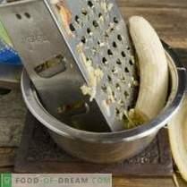 Пищни сирена с бананово-ябълков конфитюр