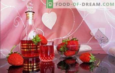 How to make homemade strawberry wine? Romantic and fragrant berry in strawberry homemade wine recipes
