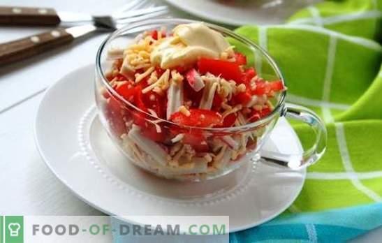 Салата от раци с домати и сирене е красива! Салата от раци със сирене и домати