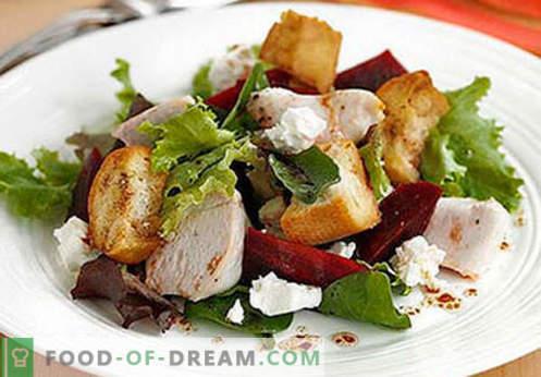 Салата от пушени пилешки гърди - петте най-добри рецепти. Как правилно и вкусно да приготвяме салати от пушени пилешки гърди.