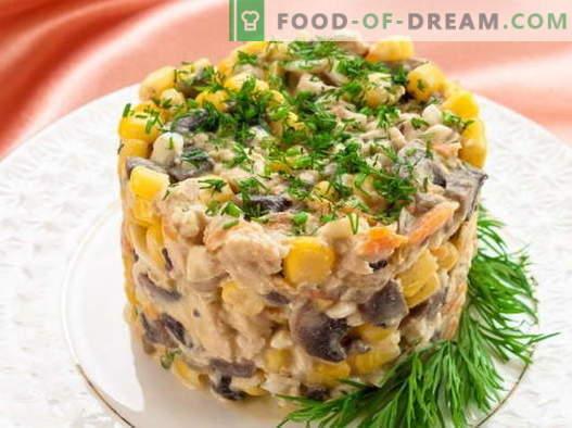 Салата с царевица и пиле - най-добрите рецепти. Как правилно и вкусно приготвена салата с царевица и пиле.