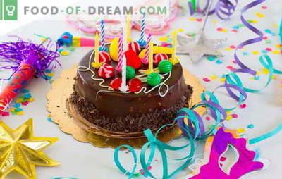 Ние го подготвуваме тортата дома за нашиот роденден (фото)! Рецепти за различни домашни колачи со роденден со слики