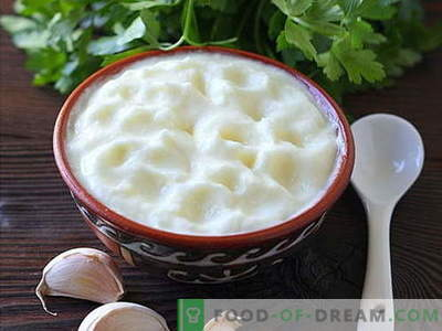 Česnakų padažas - geriausi receptai. Kaip tinkamai ir skaniai virti česnakų padažą.