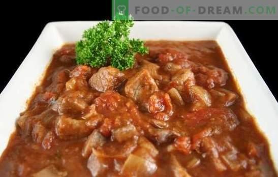 Говеждото гулаш в бавен печка - дебела супа или месо с сос? Най-добрите рецепти за говеждо гулаш в мултивак с домати, заквасена сметана