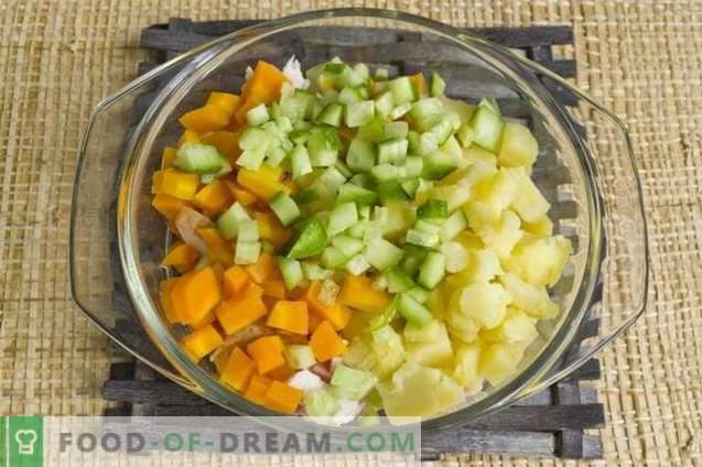 Салата с пушени пилешки гърди и зеленчуци