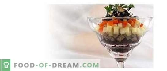 Коледни салати с сини сливи: 10 интересни идеи