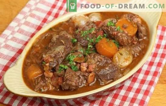 Свинско задушено с картофи - благоуханни традиции. Как да се готви обилна и вкусна свинска яхния с картофи