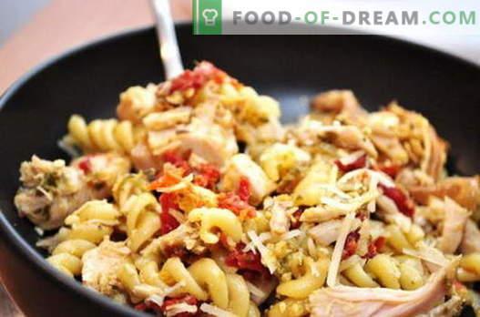 Пилешка паста - най-добрите рецепти. Как да правилно и вкусно готви пиле с тестени изделия в бавен печка.