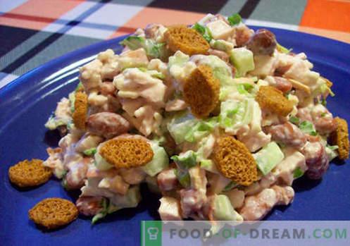 Салата с боб и бисквити - доказани рецепти. Как правилно и вкусно приготвена салата с боб и бисквити.