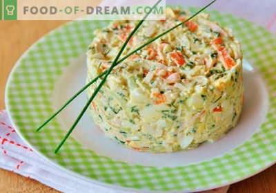 Sałatka krabowa z ogórkiem - sprawdzone przepisy kulinarne. Jak gotować sałatkę z kraba z ogórkiem.