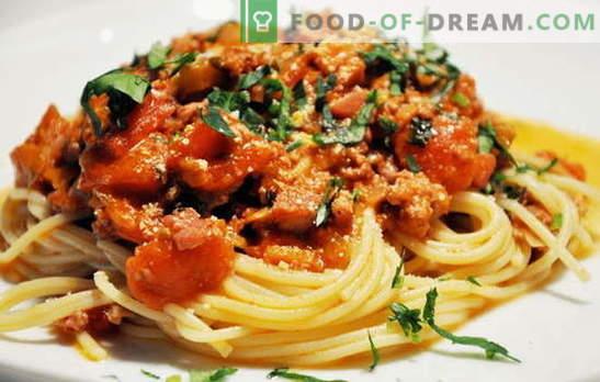 Спагети с месо - италианска паста по руски начин! Спагети рецепти с месо и сирене, гъби, сметана, домати