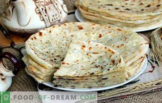 Кавказки Khychyny: стъпка по стъпка рецепти за питки с пълнеж. Как да готвя сирене, месо, картофено хичина (стъпка по стъпка)